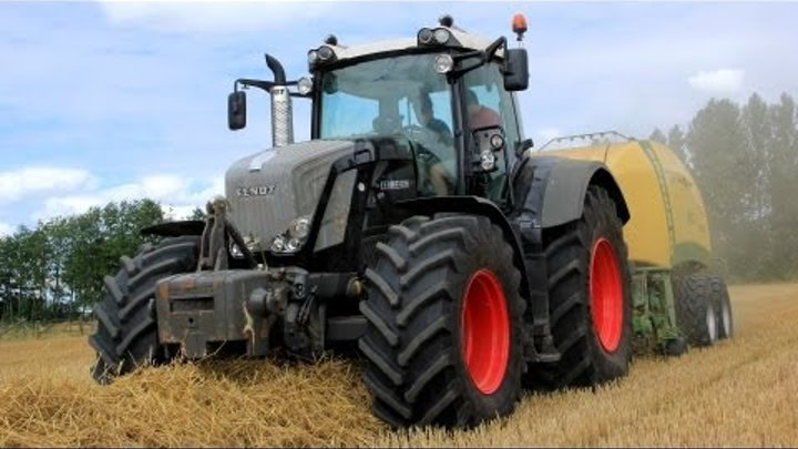 Straw baling with a New Fendt 826 Vario Black Beauty + New Krone BigPack 1290XC - Stouten Fourage