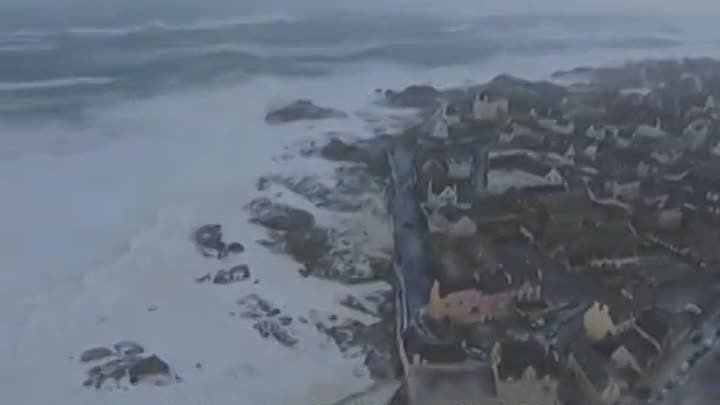 Storm in Brittany - Hurricane winds - Heavy Weather on the French and the British coast