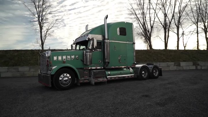 FREIGHTLINER CLASSIC XL 2003