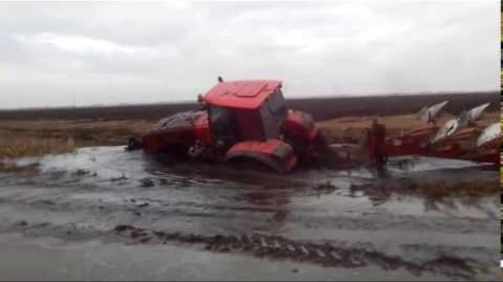 МТЗ 3522 стянуло в канаву MTZ 3522 Belarus pulled together into a ditch