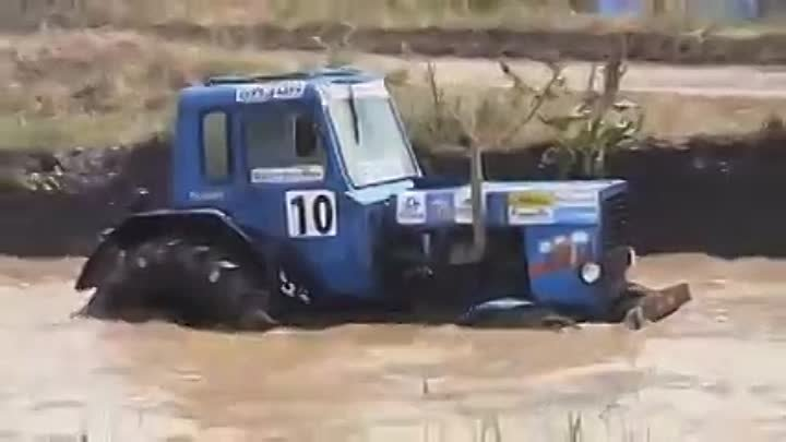 Russian Offroad Monster Tractor Race - Bison track show 2013 (1)
