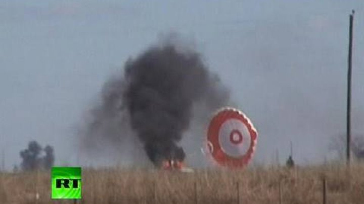 Dramatic video of pilot surviving crash after plane's wing breaks off mid-air