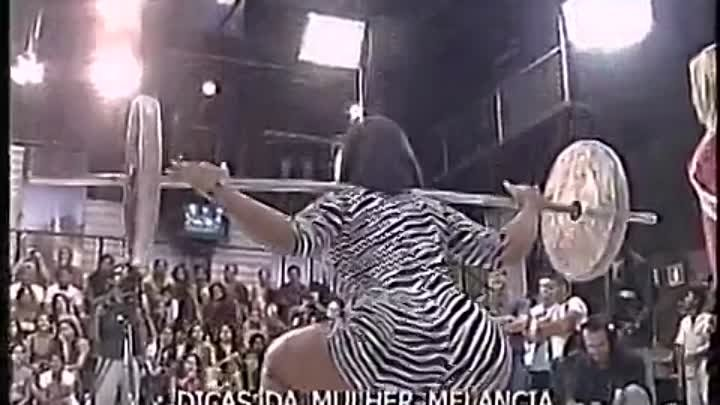 Girl with the Greatest Ass on the Planet Does 135ilb Squats on Live TV
