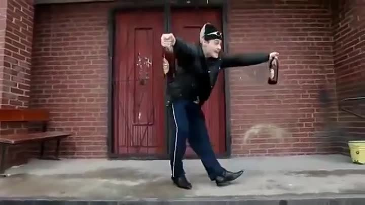 Реальные пацаны - Пасодобль! Real Russian Guy - Paso Doble dance with beer