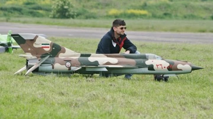 LARGE SCALE RC MIG 21 FISHBED - LUKE AT LONG MARSTON MODEL AIRCRAFT SHOW - 2014