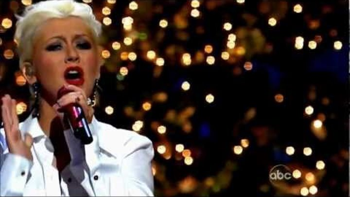 Have Yourself A Merry Little Christmas Christina Aguilera.Hd Christina Aguilera Have Yourself A Merry Little Chrismas Live Disney Christmas Parade