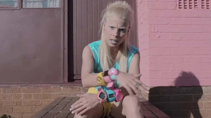 DIE ANTWOORD - BABYS ON FIRE (OFFICIAL)1