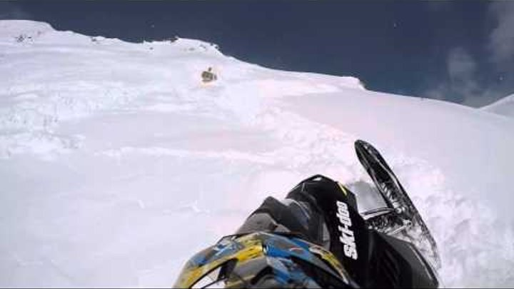 I survived a big Avalanche while snowmobiling thanks to my guardian angels !!!! Video go pro hero 4