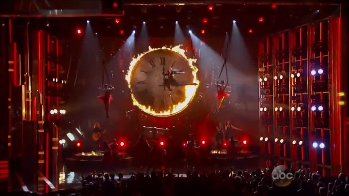 "Pink - ""Just Like Fire"" (Billboard Music Awards 2016)(Алиса в Зазеркалье)"
