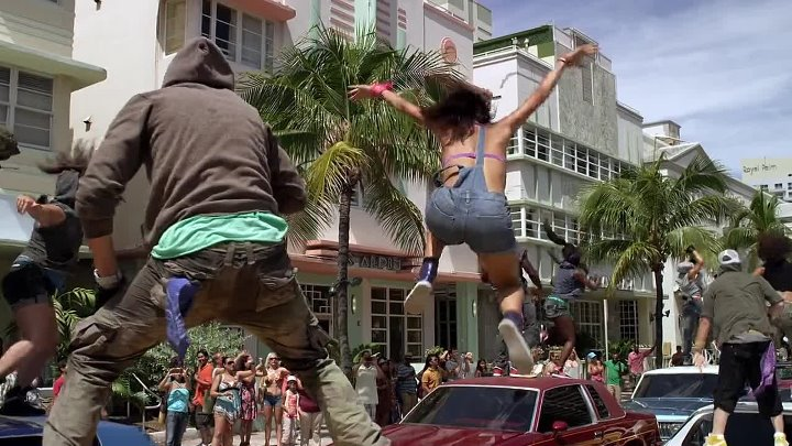 STEP UP 4 REVOLUTION 3D - Scena d'apertura (v.o.) dancing Let's Go - Travis Barker