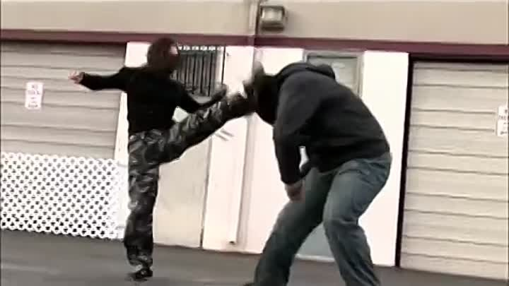 Girl vs Gang - Street Fight Scene (Real Contact Hits, Tony Jaa Style)