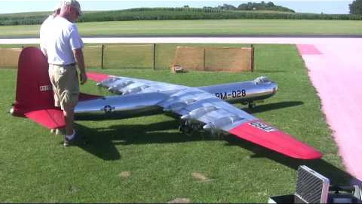 6 engines and HUGE 19' foot wing span scale B 36 flys at NAMFI 2010 SMMAC