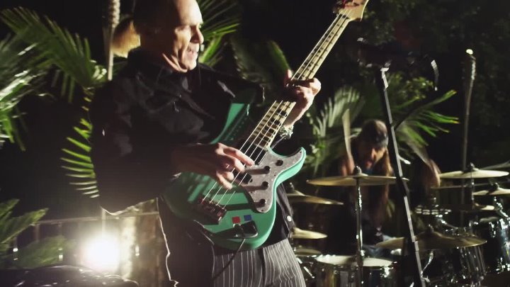 The Winery Dogs - I'm No Angel (Official Music Video) 2014