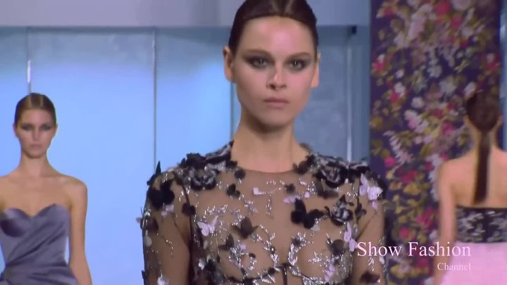 RALPH & RUSSO Haute Couture Fall - Winter Fahion Show 2016⁄2017