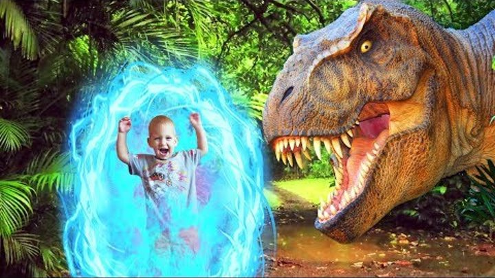 Jurassic Park T-Rex & Giant Life Size Dinosaurs! Pretend Play in the Amusement Park Парк развлечений