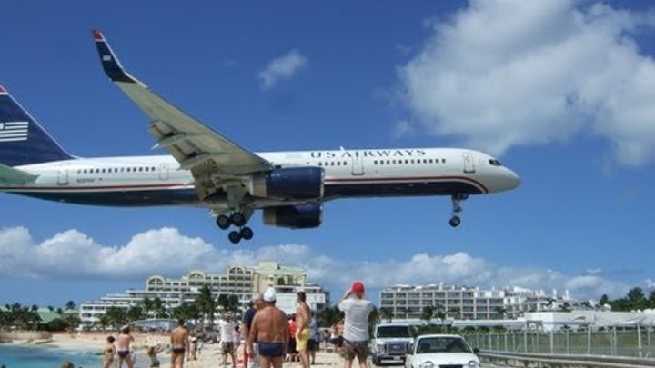 Maho Beach St Maarten - Extreme Plane Spotting and Jet Blasts!