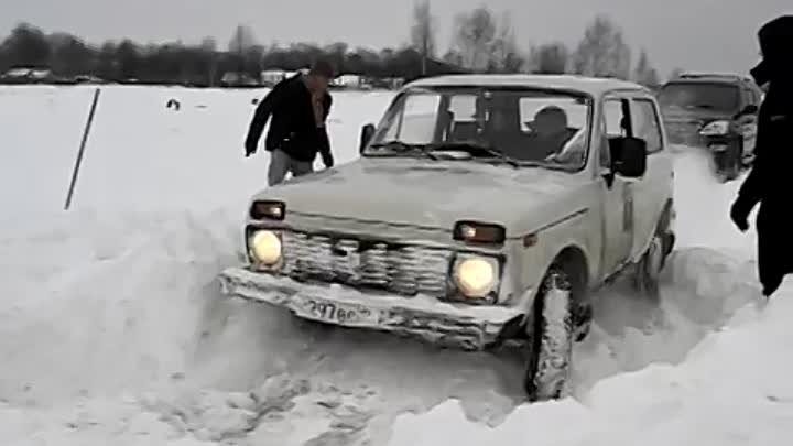 NIVA in snow | Нива в снегу
