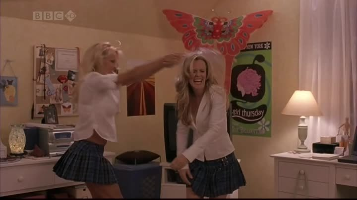 "Pamela Anderson and Jenny McCarthy in ""Scary Movie 3"""