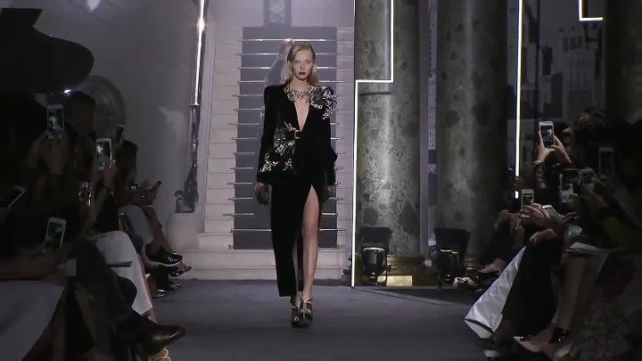 Elie Saab - Haute Couture Fall Winter 2016-2017 Full Show - Exclusive