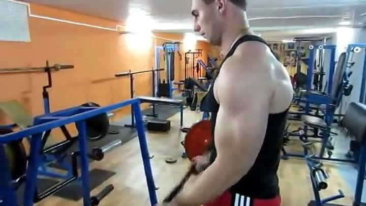 Отягощения. Бицепс. Exercises with weights. Biceps. NO steroids!
