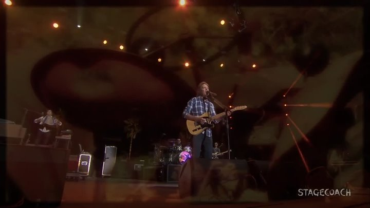 John Fogerty - Lookin' Out My Back Door ( in Concert 2016 Stagecoach)