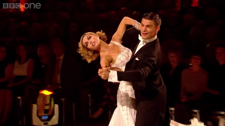Abbey Clancy & Aljaz - Dance the Viennesse Waltz to 'Delilah'.