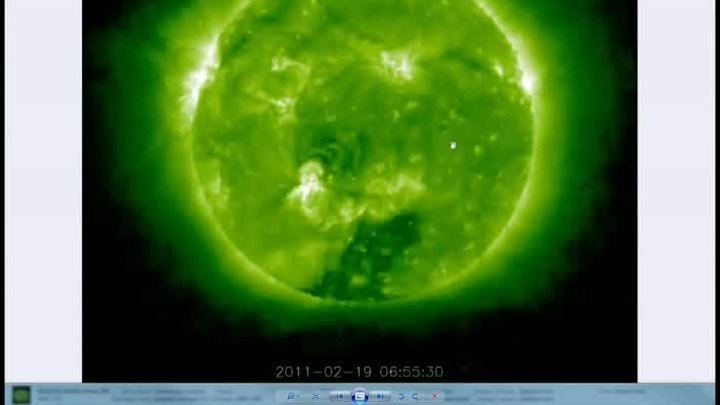 НЛО возле Солнца.OVNI.Giant Objects near our Sun 19 Feb.2011..HD