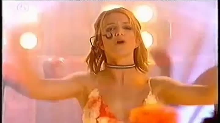Britney Spears - Born To Make You Happy Live @ Pepsi Charts