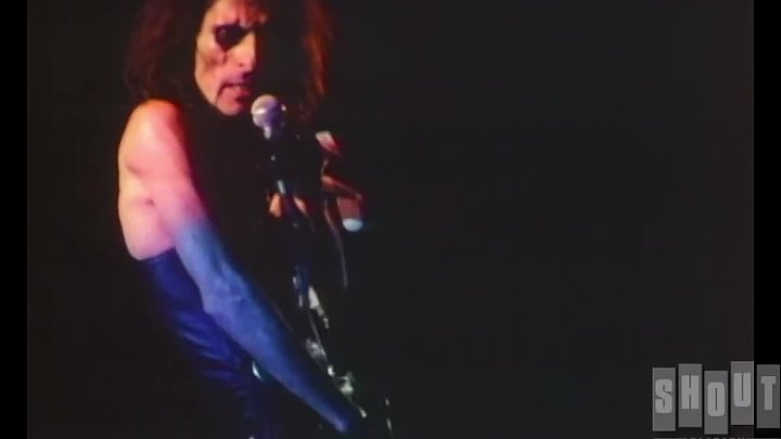 Alice Cooper - Only Women Bleed (Live 1979)