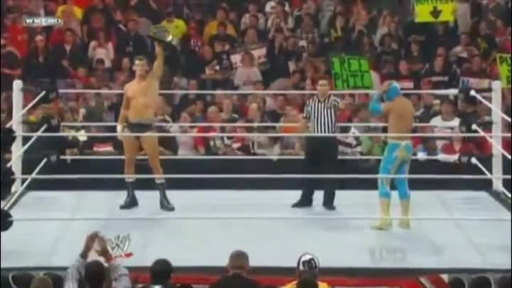 WWE Sin Cara (Mistico) vs Sin Cara (Hunico) - Raw SuperShow (09/19/11)