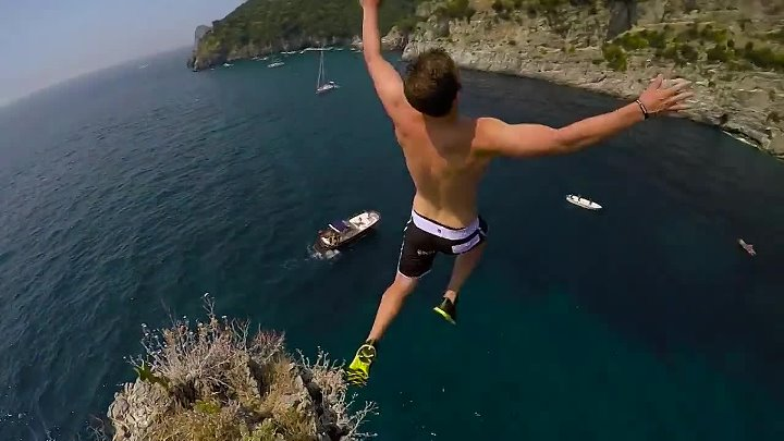 Cliff Jumping Italy – creating a Contiki Legend in 4K