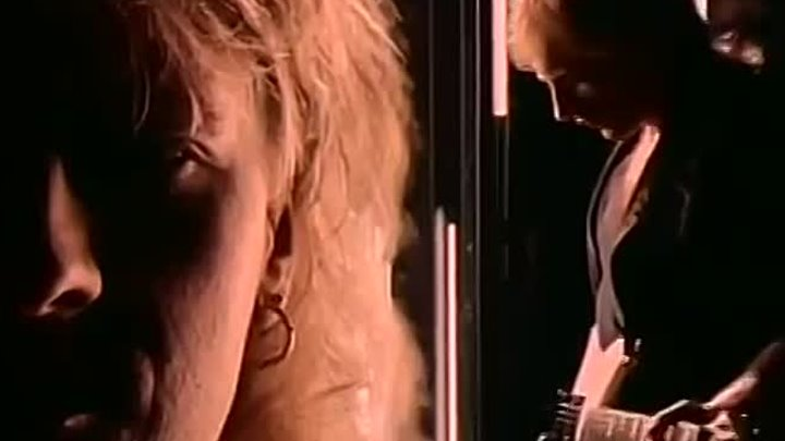 DEF LEPPARD - 'Love Bites' (Official Music Video) (1)