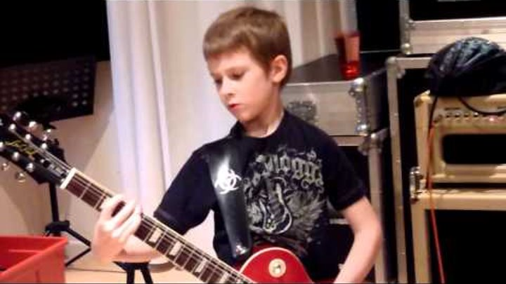 7 year old Mini Band guitarist Harry Esson improvises guitar solo in AC DC Highway To Hell