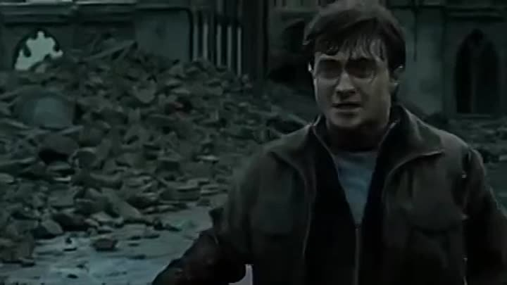 Harry Potter vs Lord Voldemort Final Battle - Harry Potter and the Deathly Hallows Part 2.mp4