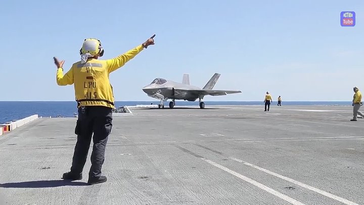 F 35 впервые на авианосце F 35 for the first time on an aircraft carrier
