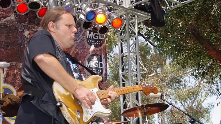 43-1-Walter Trout In love with you again - olc version 720