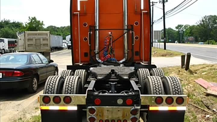 "Kenworth KW Semi truck 64"" condo sleeper - NICE on ebay"
