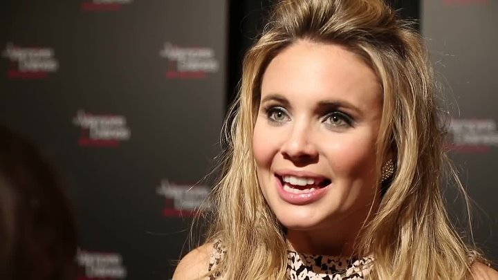 Leah Pipes Red Carpet Interview