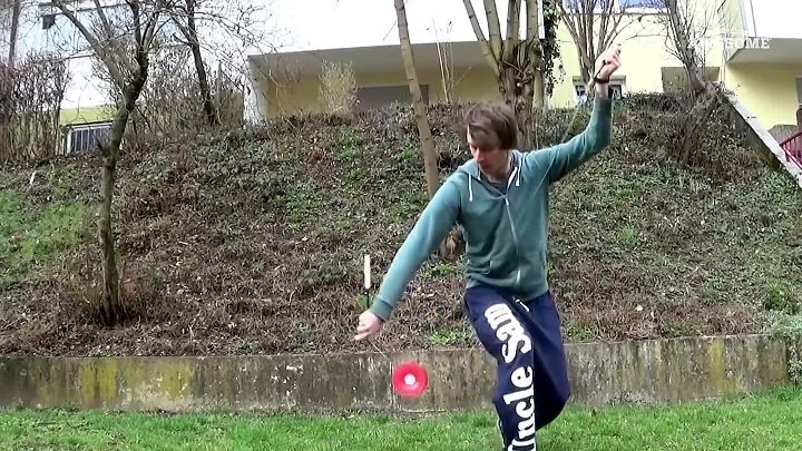 Amazing Juggling, Cardistry & Object Manipulation