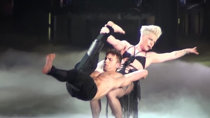 P!nk - Try LIVE Truth About Love Tour Bell Center Montreal, 2013⁄03⁄12