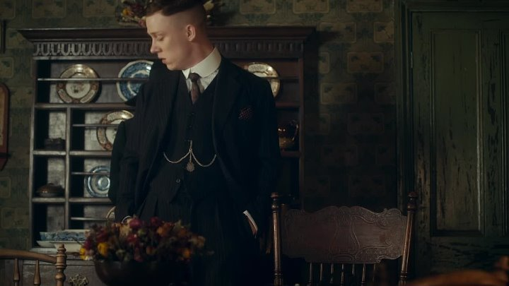 [WwW.VoirFilms.org]-Peaky.Blinders.S02E01.FASTSUB.VOSTFR.720p.HDTV.x264-ADDiCTiON