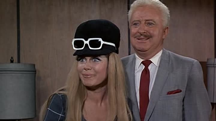 Bewitched S04E21 - Hippie, Hippie, Hooray