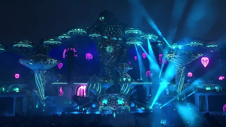 Armin van Buuren live at Tomorrowland 2018. by zaza.