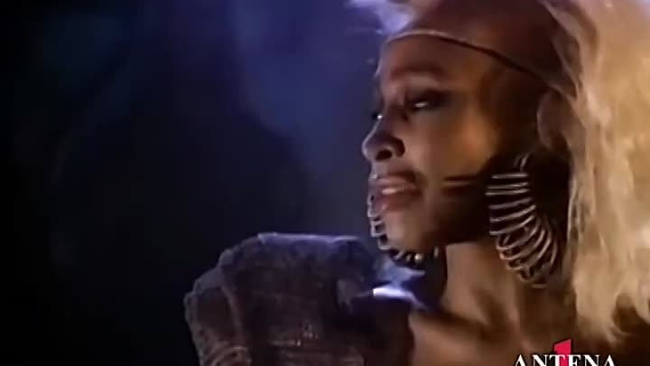Tina Turner - We Don't Need Another Hero (Thunderdome) [Official Video]