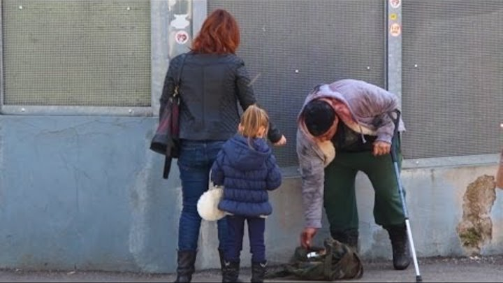 Would You Help a Wounded Homeless Man? (Social Experiment)