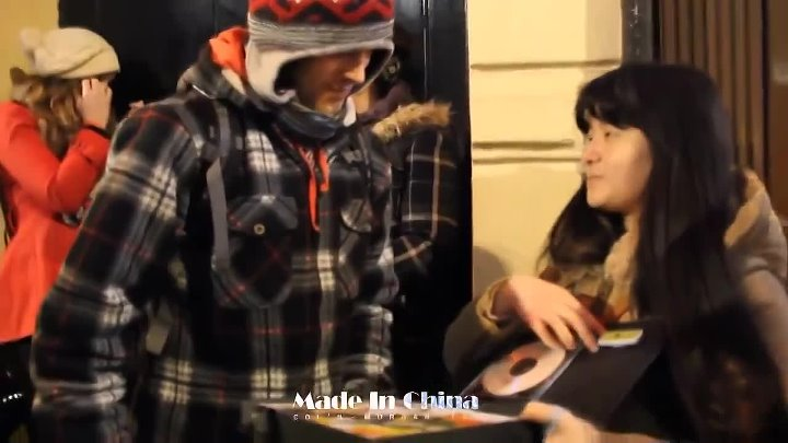 Colin Morgan accepted the birthday gift from Chinese fans