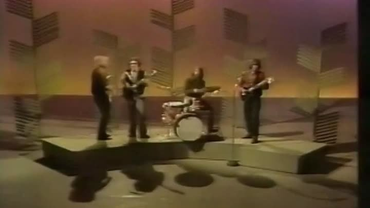 Creedence Clearwater Revival - Bad Moon Rising - Proud Mary (Johnny Cash Show)