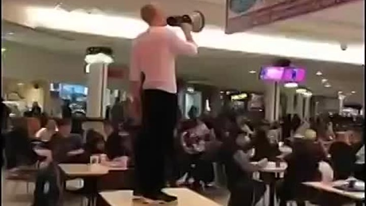 Will the real Slim Shady please stand up! #Funny #slimshady #lol vine