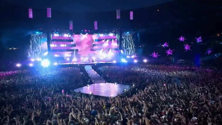 Muse - Plug In Baby (Live at Rome Olympic Stadium)