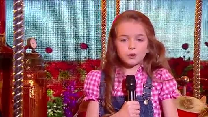 Erza, 8 years old, sings La vie en rose by Edith Piaf - Final 2014 - France's Go